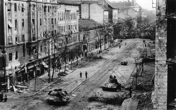 burned-out-soviet-tanks-1956-600x377